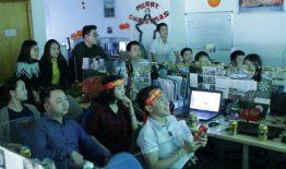 1001 cách cổ vũ tuyển bóng đá Việt Nam của THM Land