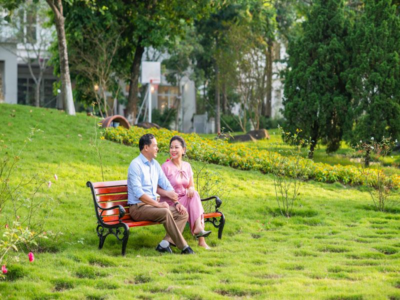 Biệt thự sinh thái Xanh Villas - Ghế nghỉ ven suối