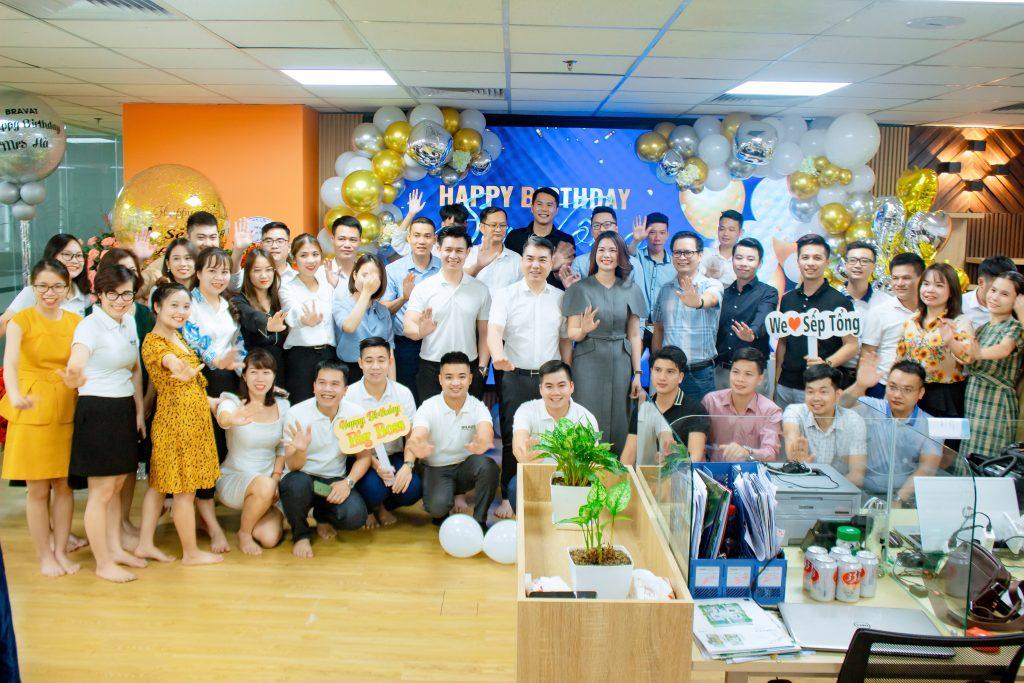 Đại gia đình THM Land, THC Group, Barvat Miền Bắc chụp ảnh kỷ niệm