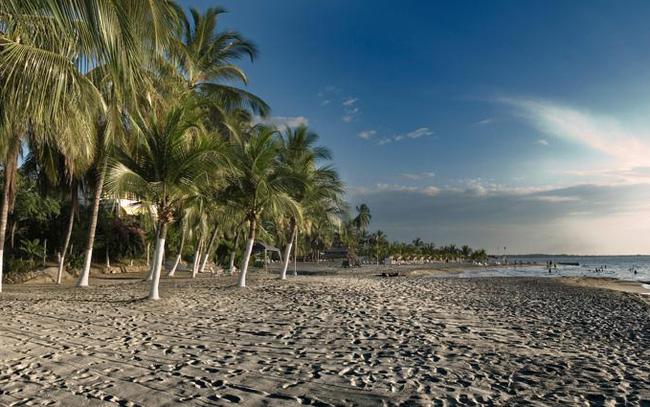 Bờ biển tại Santa Marta thuộc Colombia. Nguồn ảnh: Tạp chí Forbes.