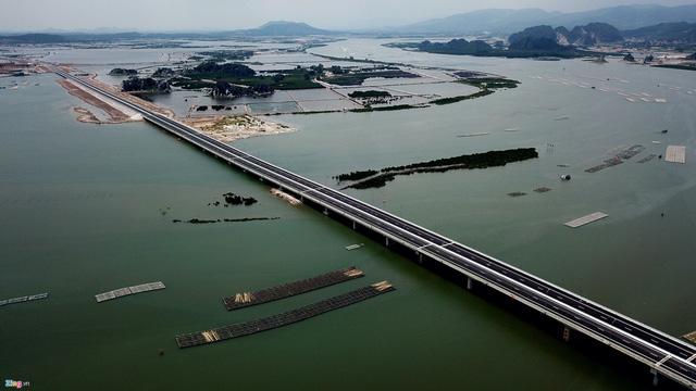 Tuyến cao tốc giúp rút ngắn thời gian di chuyển từ Hà Nội tới Hạ Long. Nguồn ảnh: Zing.vn
